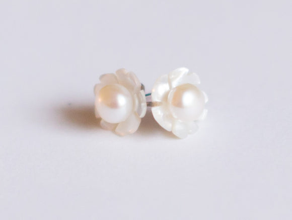 Oyster & White Pearl Stud Earrings
