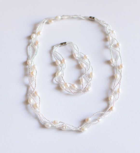 Bead Lined White Pearl Necklace & Bracelet