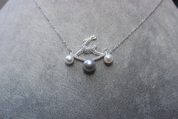 Reindeer Pearl Necklace