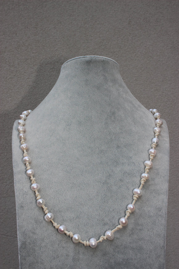 Rope & Pearl Necklace