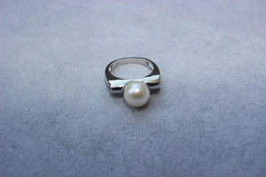 Transparent Pearl Ring