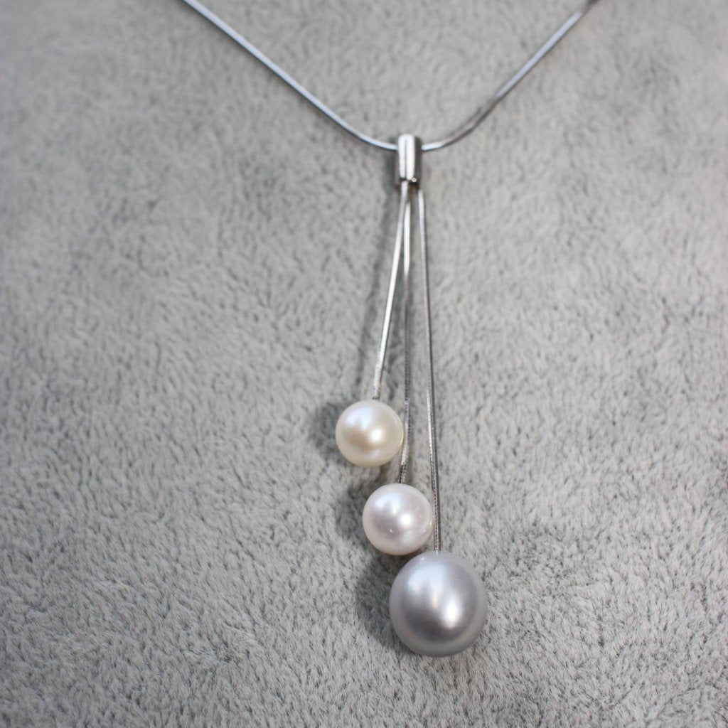 Lost Blue & White 3 Pearl Necklace