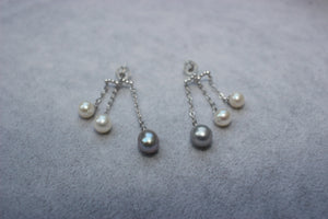 3-Pearl Lost Blue & White Earrings