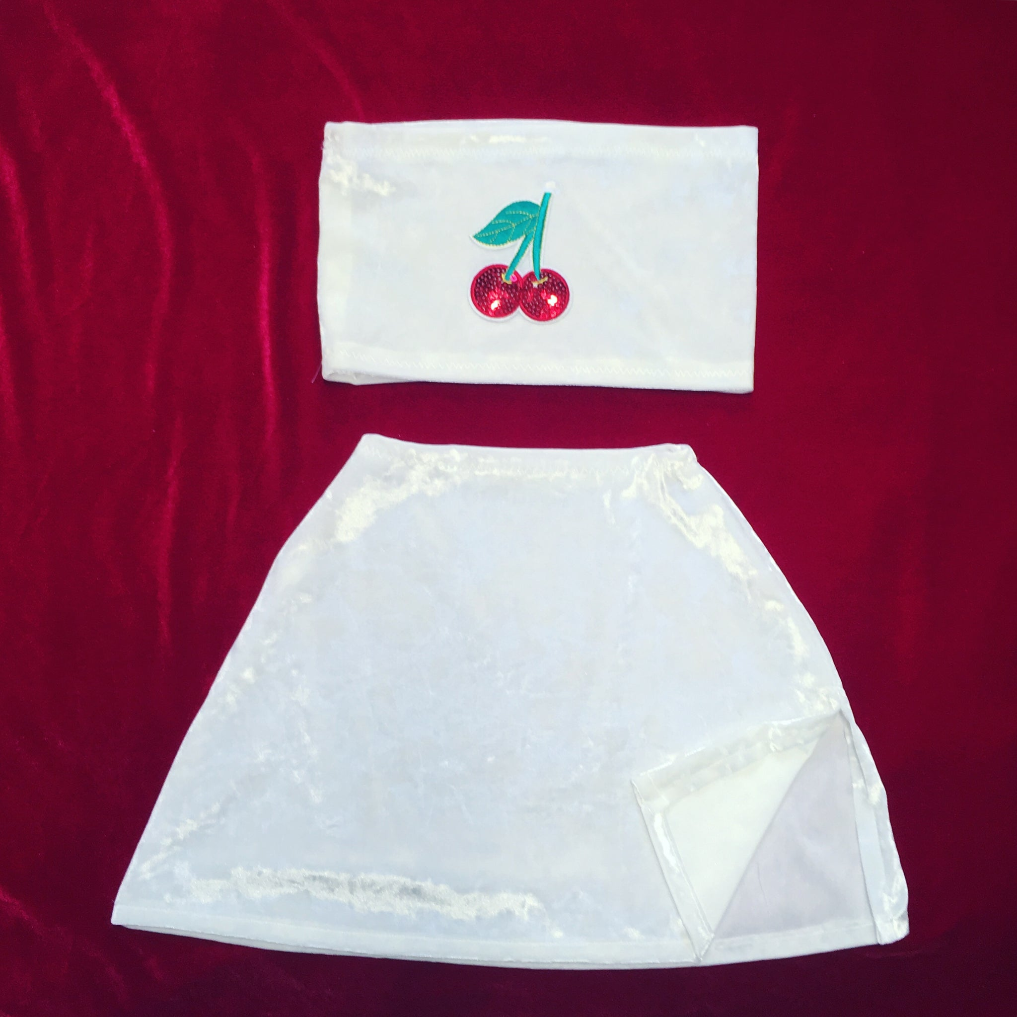 White Cherry Set Size UK 6 (XS)