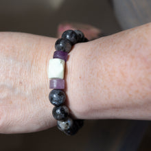 Load image into Gallery viewer, Howlite Chunk with Labradorite | Bracelet