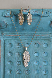 Trendy Feather Necklace with Earrings in Gold & Silver