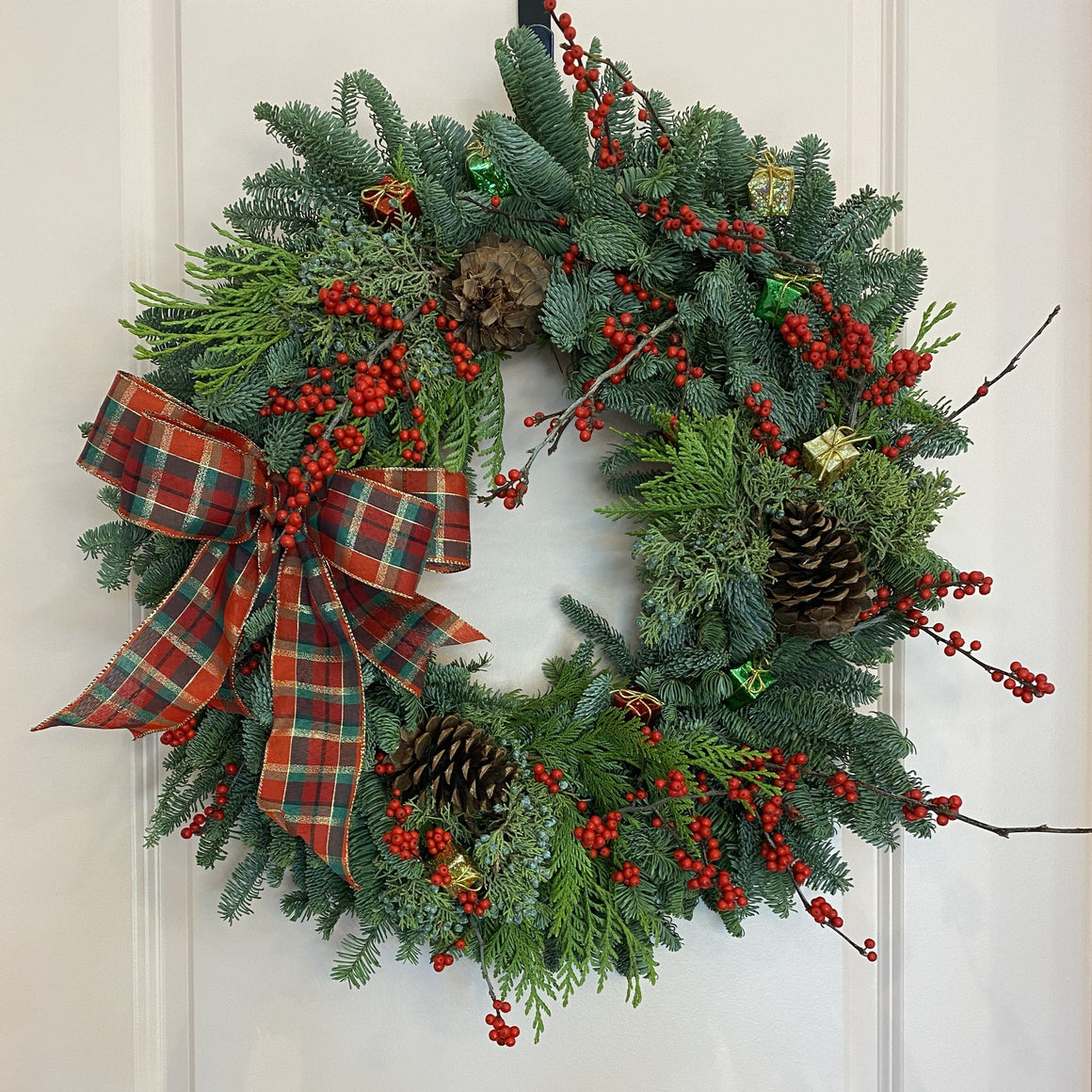 "30"" Classic Christmas Wreath"