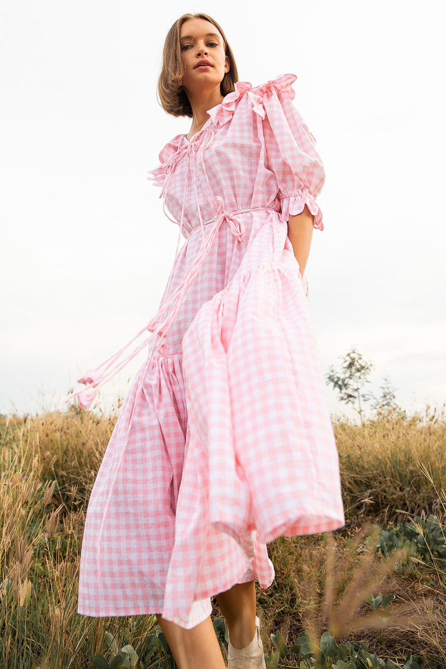 SAFFRON SCALLOP GINGHAM BABY PINK MIDI DRESS