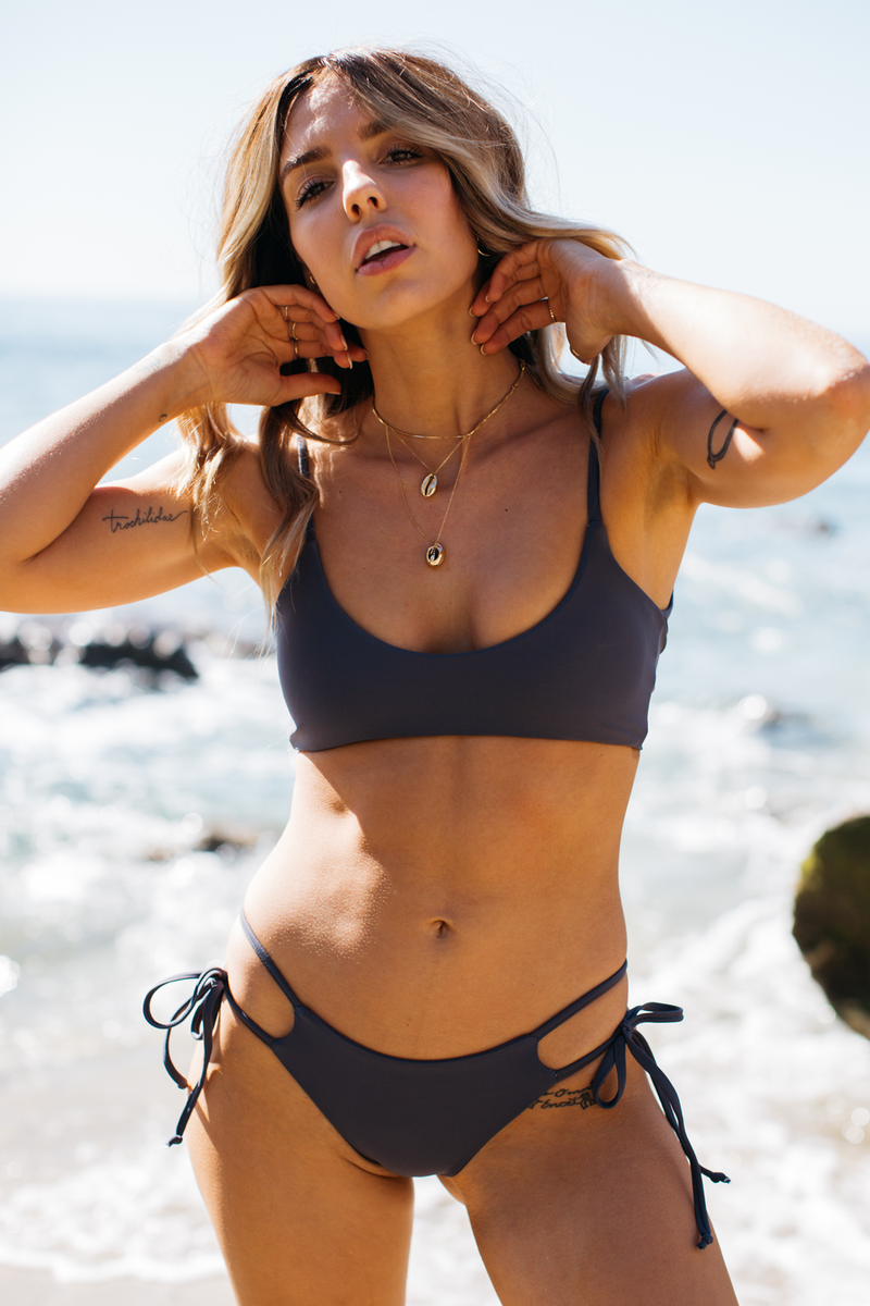Wave Babe Swimwear Minimal Scoop Seamless Top Moon Navy Blue Gray Grey Soft Double Strap Strappy Padded Cut Cheeky Scoop Neck Beach Swim Bikini Swimsuit Travel Style 2019 SS19 Best Top Quality Comfort Soft Brands Fashion Hawaii California Sporty New Trends Modern Boho