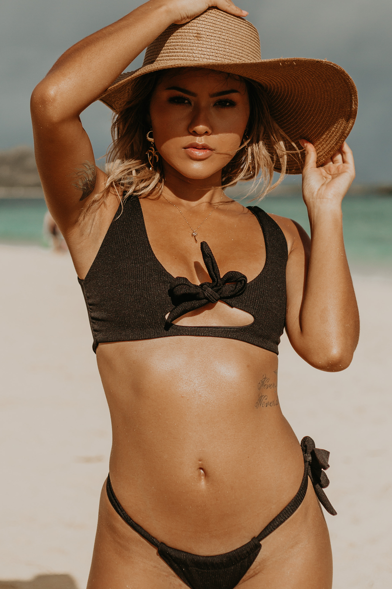 Ryder Ribbed Tanning Knot Keyhole Top Knot Tie Thick In Style Summer Wave Babe Swimwear Bikinis Black Hawaii Travel VSCO Pinterest Gorgeous