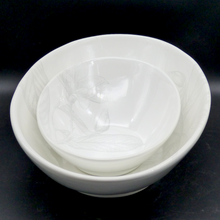 Load image into Gallery viewer, 'Mondo' serving bowl - large (34cm x 24cm) - All White