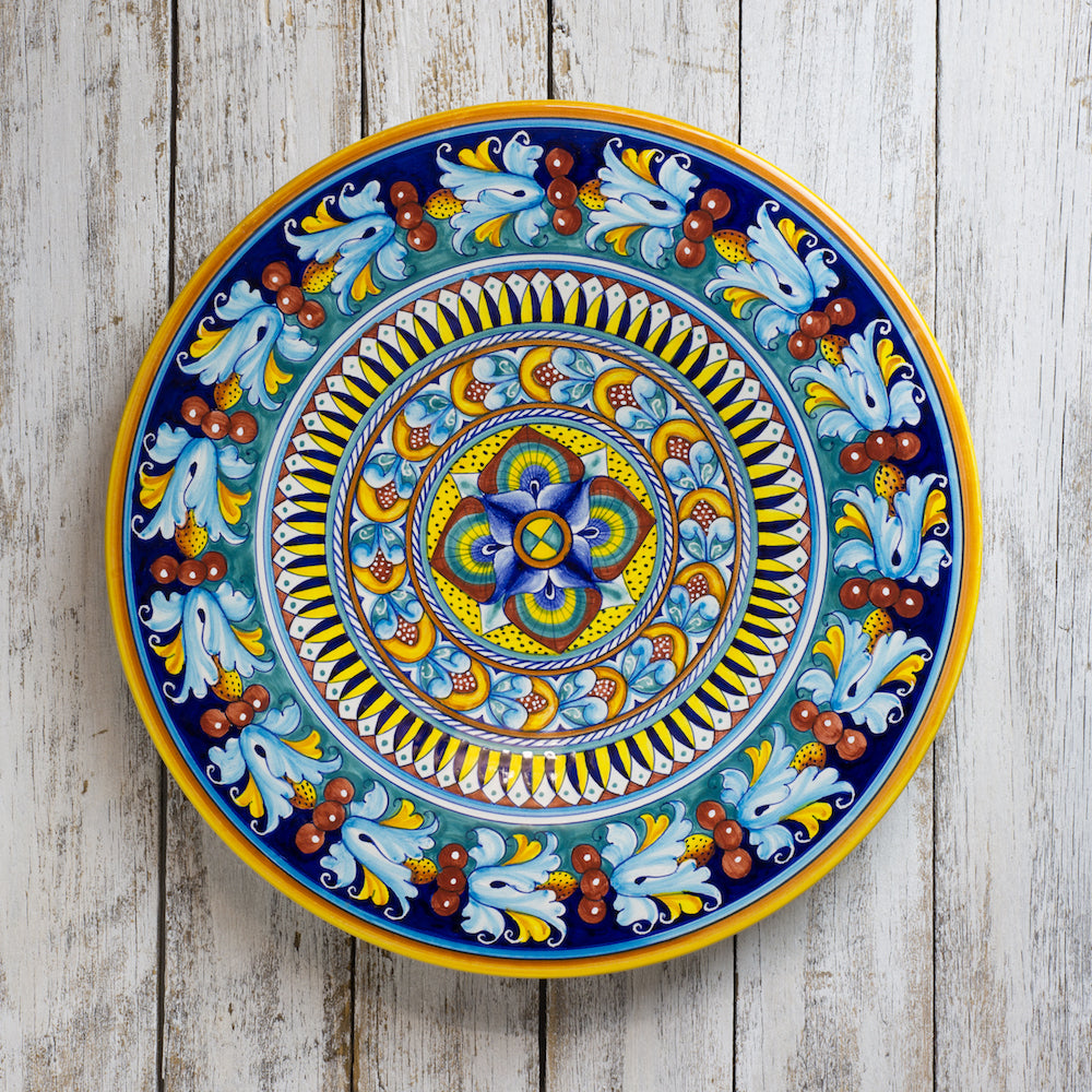 Large decorative wall plate (45cm)