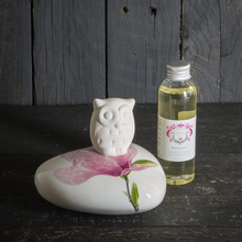 Load image into Gallery viewer, Owl fragrant oil diffuser - Magnolia