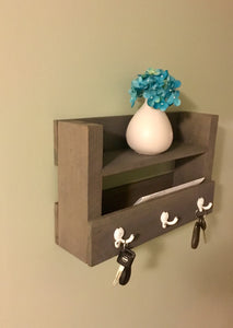 Entryway Key and Mail Holder in Classic Gray