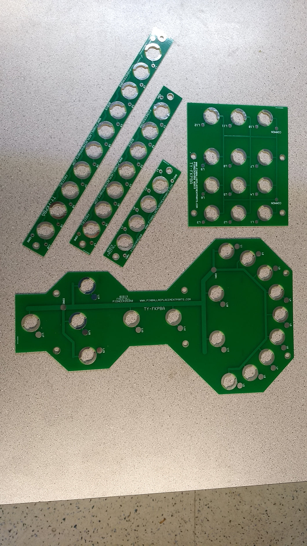 Stern Freefall lamp board set replaces metal strips with 555 sockets