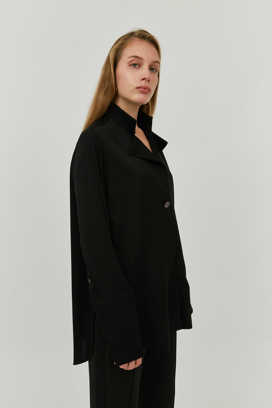 MONA FLUID LAPEL BLOUSE BLACK
