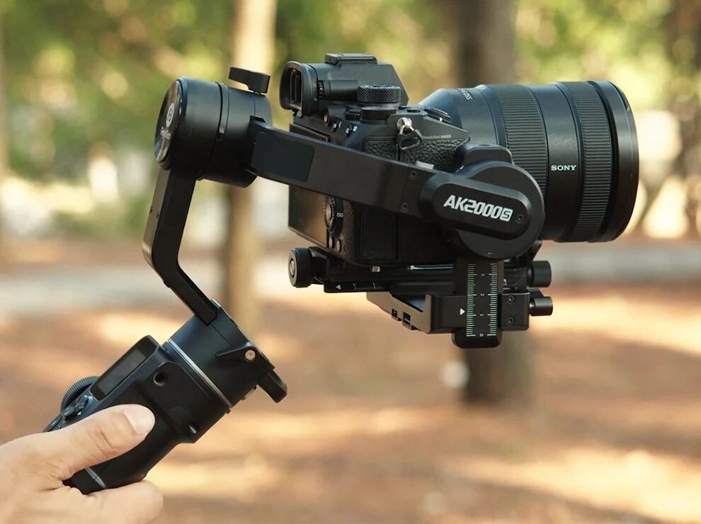 Feiyu AK2000S Gimbal Camera Stabilizer handheld three-exis for video mirrorless DSLR cameras quick respond speed
