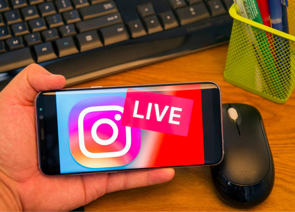GadgetiCloud live video YoloLiv YoloBox portable Studio blog post live streaming mobile app popular Instagram Live Stories Logo