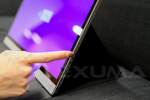 Lexuma-XScreen-4K-UHD-Touch-Portable-Monitor-power-turn-on