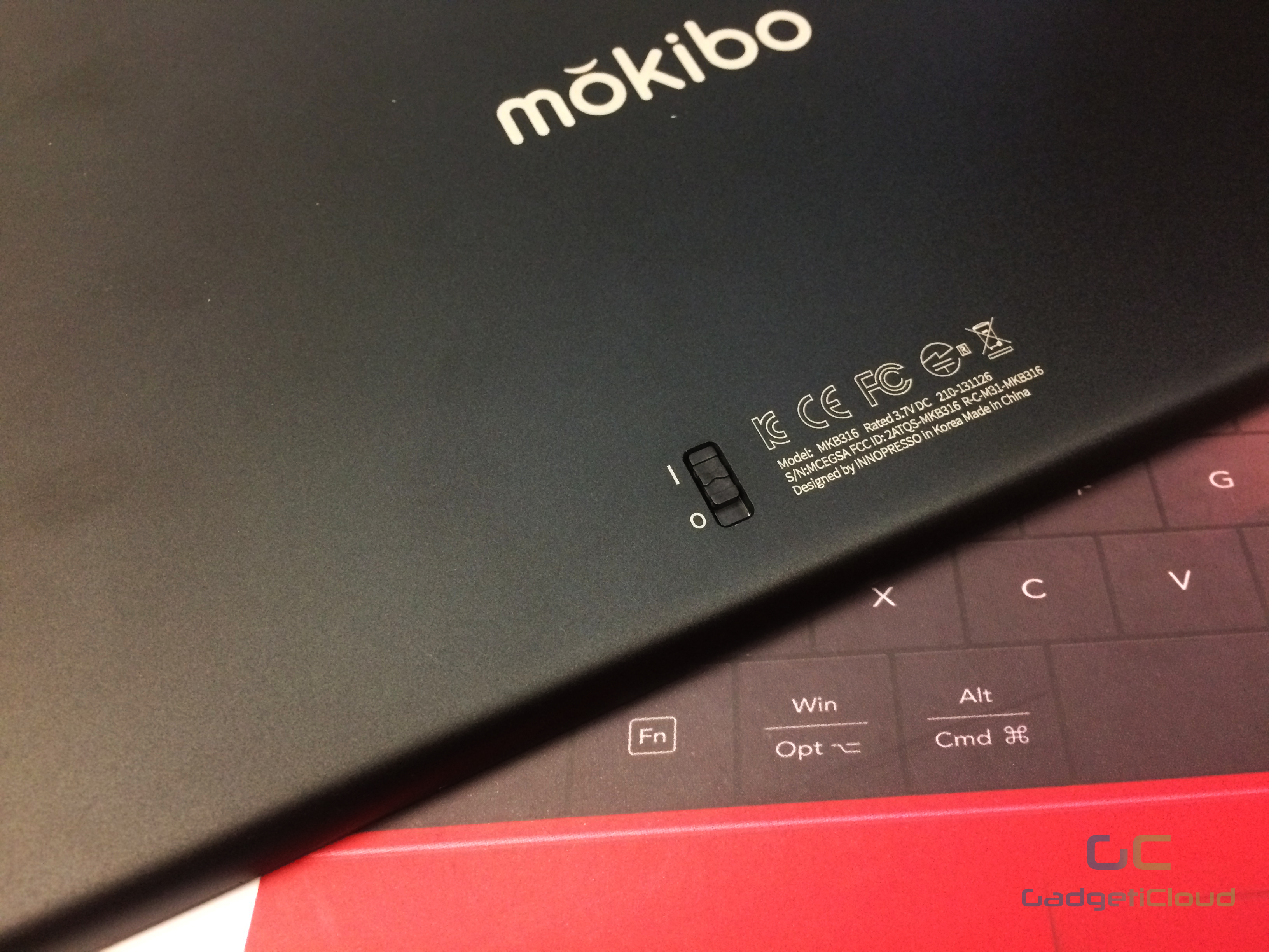 lexuma-mokibo-touchpad-keyboard-bluetooth-wireless-pantograph-laptop-black-power-switch