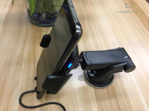 Charging While Driving - Wireless Charging Car Mount blue led light red light