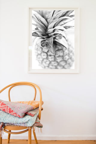 PINEAPPLE CROWN BLACK AND WHITE PHOTO PRINT