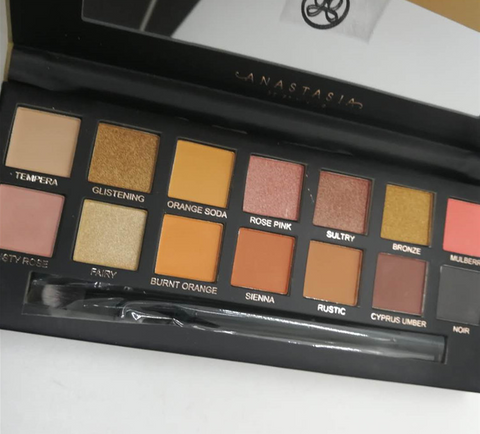 14 Color Eyeshadow Palette