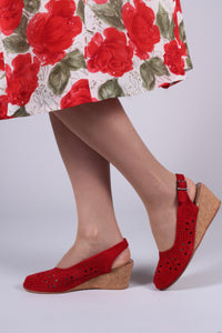 Suede wedge sandals 1940s - 50s style - red - Elizabeth