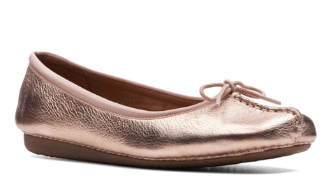 Clarks Freckle Ice Slip On Shoe Rose Gold