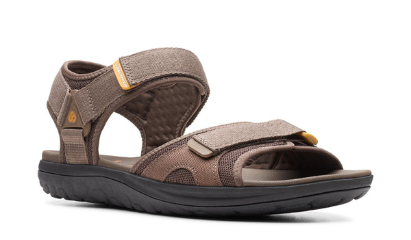 Clarks Step Beat Sun Touch Fastening Sandal Brown