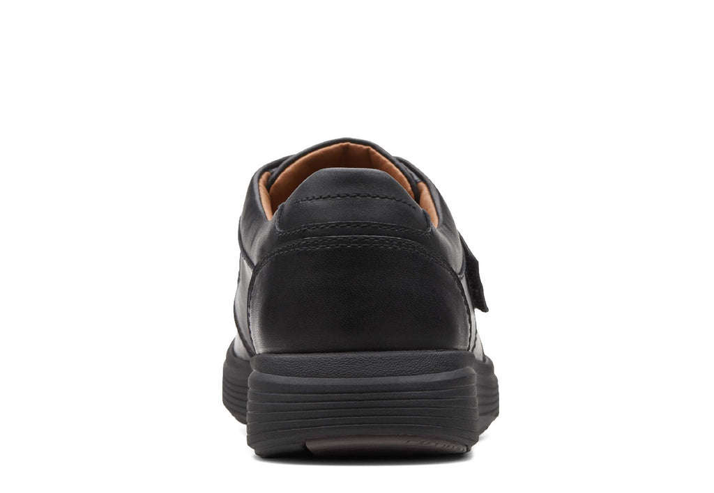 ded7b6e579c Clarks Un Abode Strap Mens Leather Touch Fastening Casual Shoe