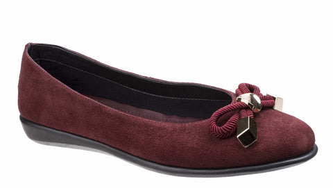The Flexx Riskas Womens Suede Slip On Ballerina Pump With Bow Trim Chianti