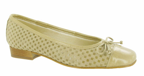 Riva Andros Womens Suede and Patent Ballerina Cappuccino