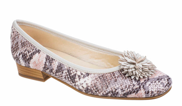 Riva Conzo Womens Snake Print Slip On Ballerina With Flower Trim Beige