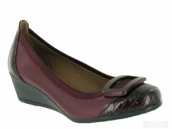 Riva Fellino Womens Wedge Heeled Slip On Dress Shoe Bordo P/L