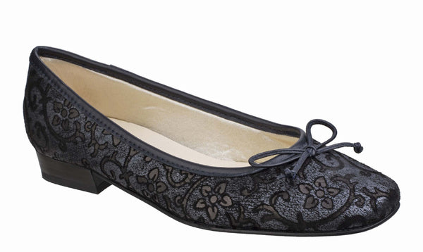 Riva Nicoletta Womens Embossed Print Slip On Ballerina Pump Navy