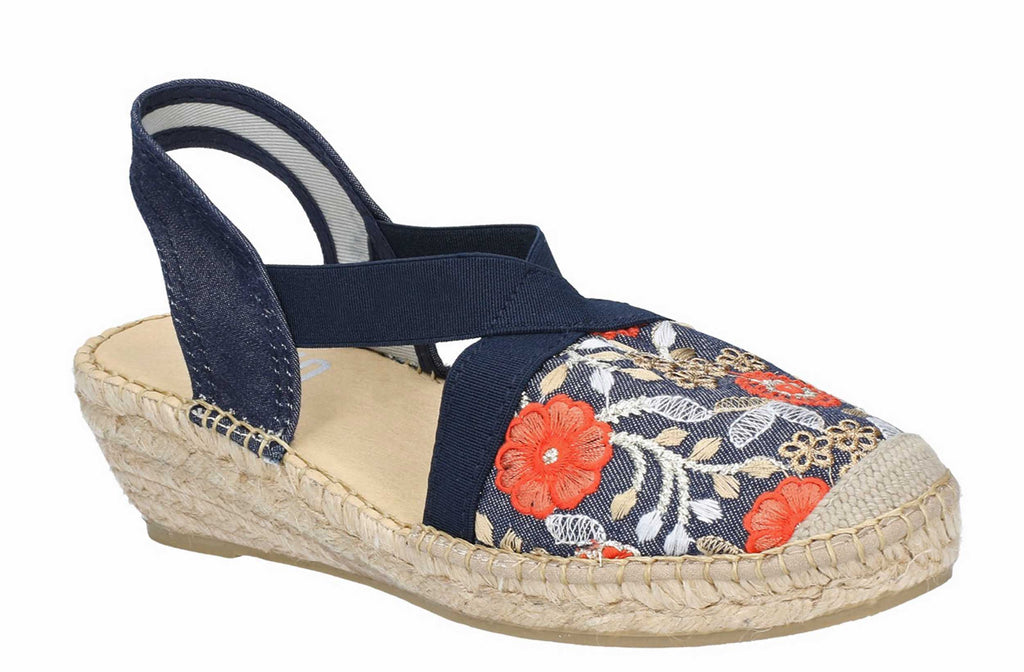 c4a1a99626a1eb Riva Poso Womens Floral Embroidered Slip On Espadrille Sandal