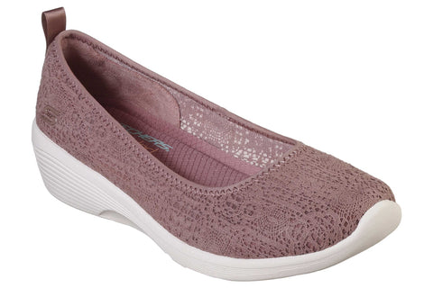 Skechers Arya Airy Days Slip On Shoe Burgundy
