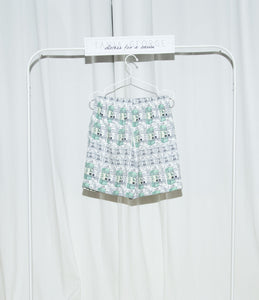 "Tania George Unisex Basic Short ""Milk"""