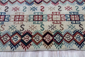 Anatolian vintage pattern Runner Rug (Isparta, Turkey)