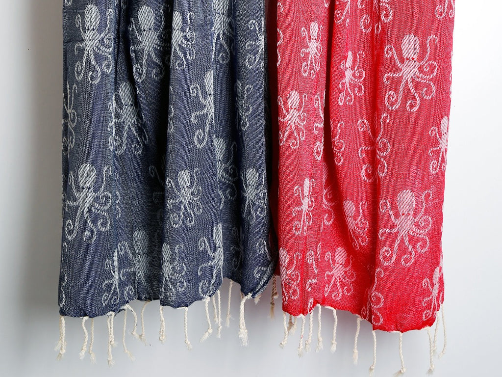 OCTOPUS Printed Cotton Blue & Red Beach and Bath Towel, Peshtemal - livingroots uk