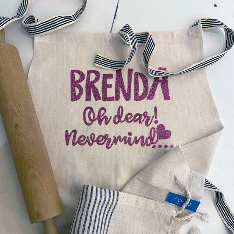 Beautiful personalized aprons made up of high-quality cotton.