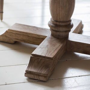 Close-up of the Colonial Round Dining Table leg