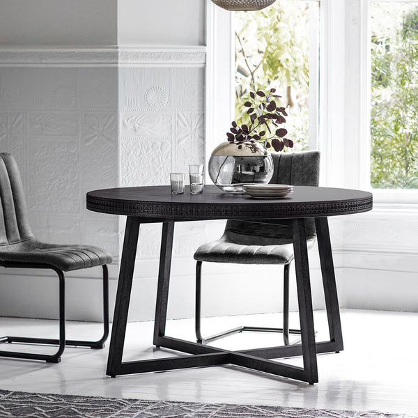 The Chic Black Table & Chair