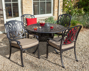 2018 Hartman Amalfi (cast iron) 4 seat round dining set on gravel