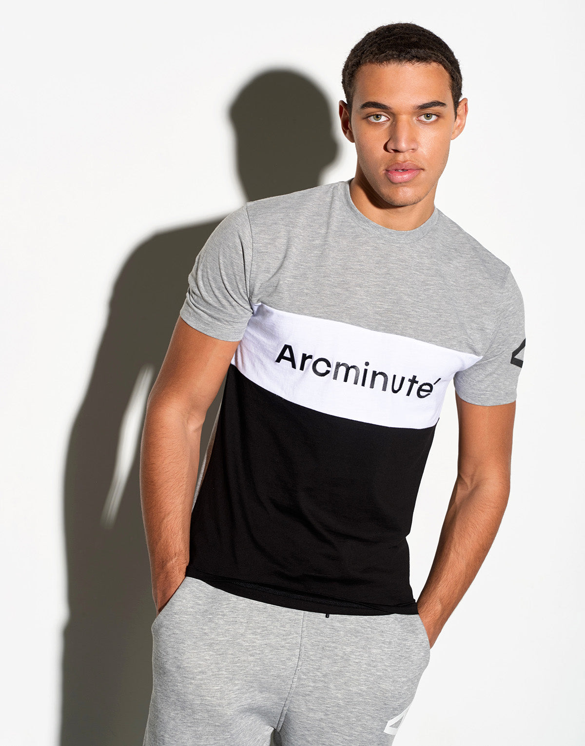 Vining T-Shirt Grey - Arcminute