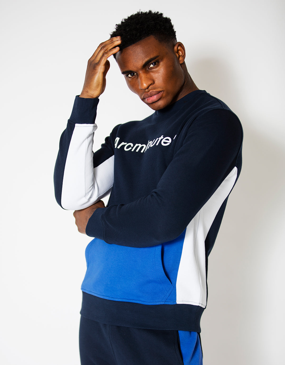 Whitson Sweatshirt Navy - Arcminute