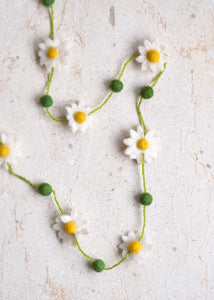Felt Daisy Necklace