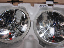 Halogen Headlamps with amber park light, blue dot