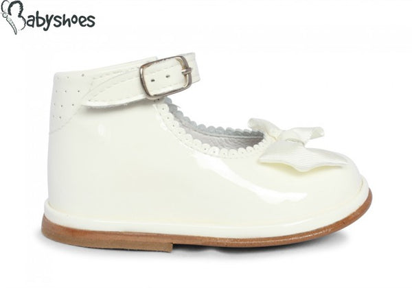 Rita Ivory Patent Leather shoes